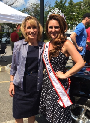 Dr. Stephanie Mills, Ms. America 2014-15, with New Hampshire Governor Maggie Hassan